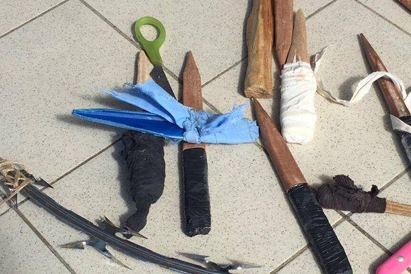 Les armes artisanales en prison