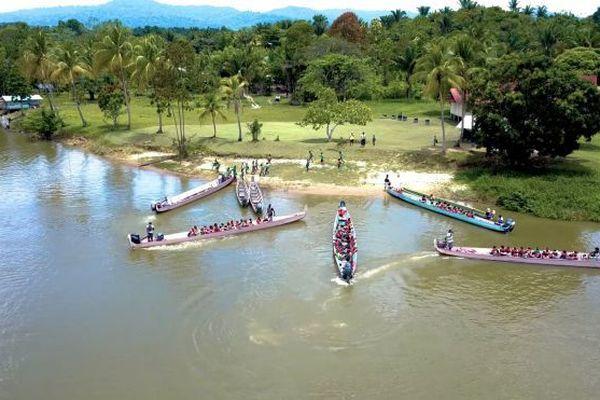 Apagui est un des nombreux campoe implantés le long du fleuve Maroni de la commune de Grand Santi.