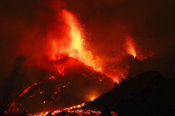 Eruption volcan Cumbre Vieja Iles Canaries