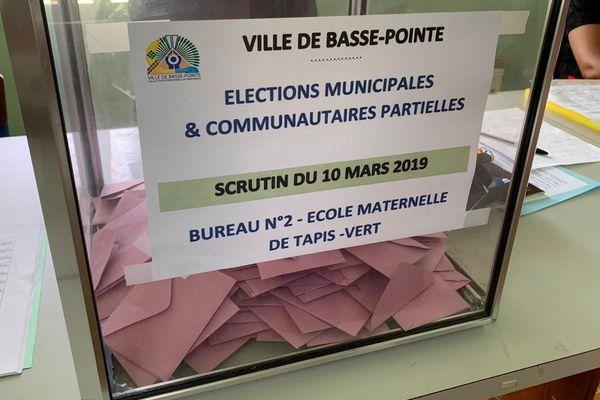 urne Basse-Pointe