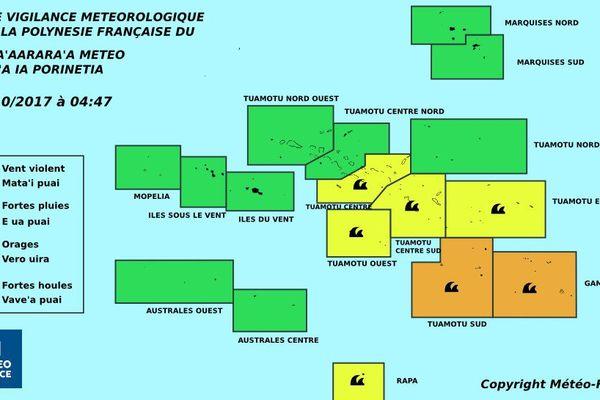 Les fortes houles gagnent le centre de la Polynésie