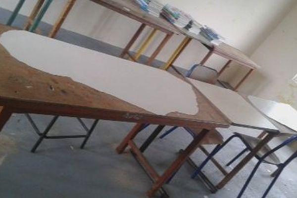 bureau de salle de classe