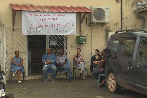 Grève au pôle social de la CTG à Matoury