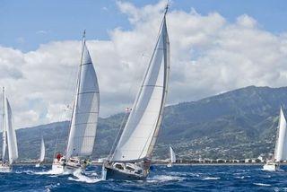 Tahiti Moorea Sailing