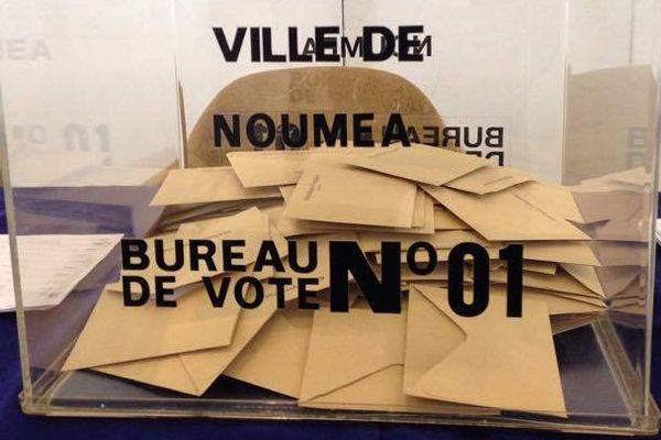 bureau de vote. Urne Nouméa élection