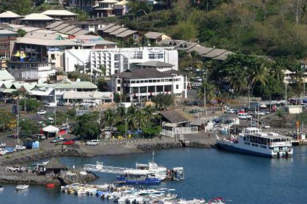 Vue de la ville de Mamoudzou, à Mayotte