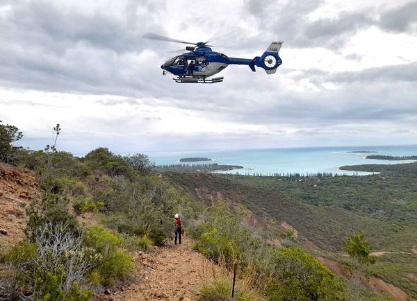 Sauvetage au pic N'Ga à l'île des Pins, 11 novembre 2020, hélicoptère