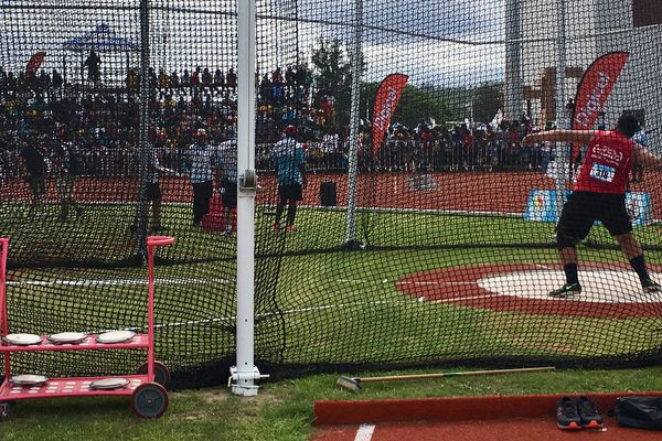 Selevasio VALAO réalise une performance de 48m84 au lancer de disque au Vanuatu