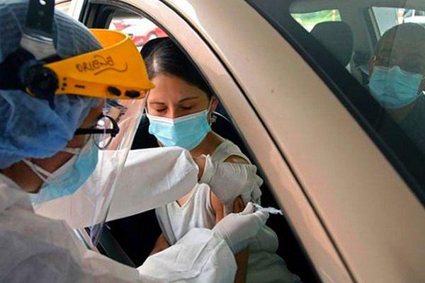 Vaccination sans sortir de sa voiture