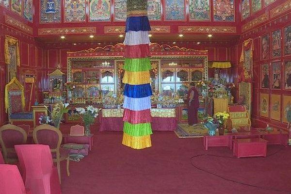 Inauguration temple bouddhiste tibétain traditionnel Mont-Vert les Hauts 010919