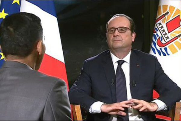 Hollande interview télés