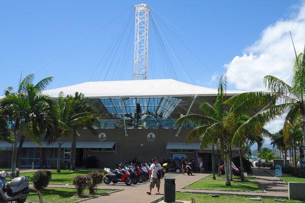 Gare maritime vue libre de droits de 2013