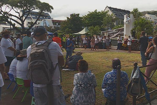 Les collectifs anti-vaccination obligatoire entendus place Tarahoi et par le président de l'Assemblée