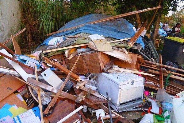 Le mobilier de l'accueil totalement détruit