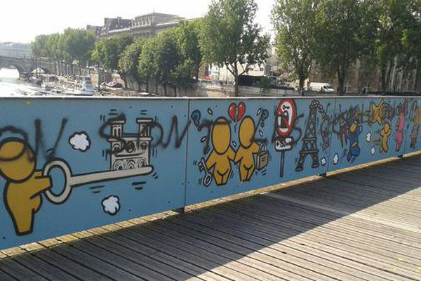Jace pont des arts Paris tags