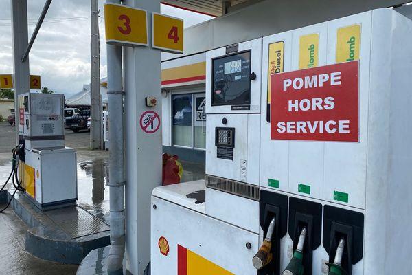 Dossier usine du Sud : station Shell fermée à Pouembout, 10 décembre 2020