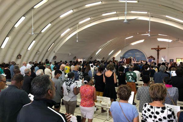 Les obsèques de Tiloun à l'église de La Source