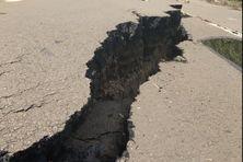 A Sainte-Marie les intempéries ont provoqué des failles et des glissements de terrain.