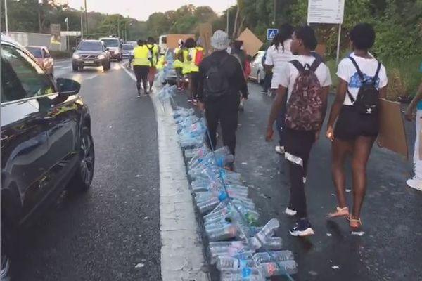 Manifestants pour l'eau au Gosier
