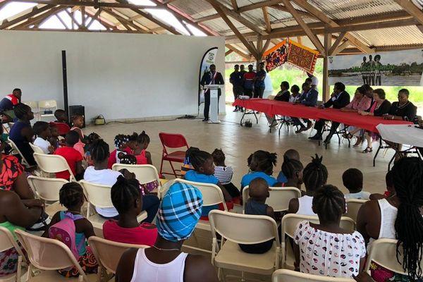 Inauguration de deux classes de proximité à Apatou