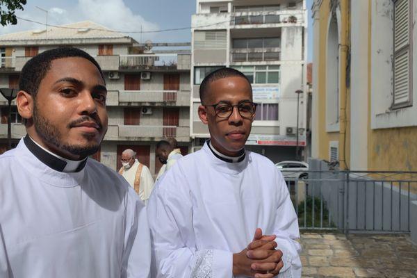 Gino de la Cruz et Christopher Jean-Jacques du Gosier ordonnés diacres 11/07/2021