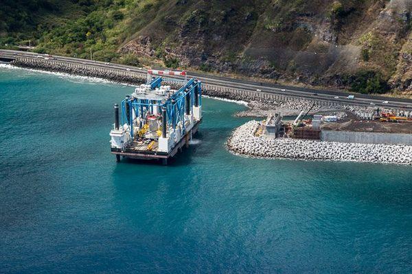 NRL : VA - image premiers travaux de Zourite en mer 20160831