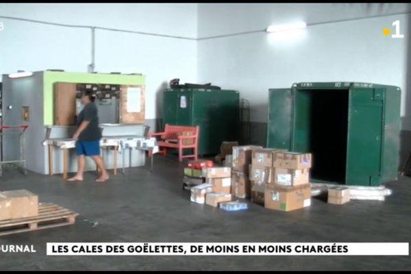 Confinement oblige : peu de monde à l'arrivée du Taporo à Raiatea