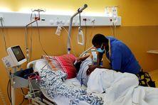 Les soins pour une malade du Covid long à l'hôpital de Cayenne