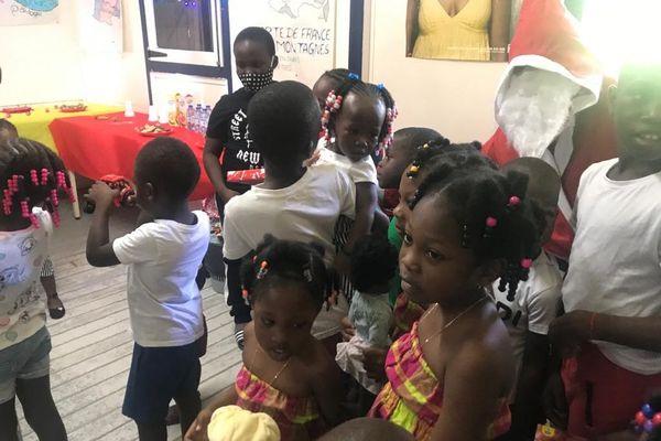 Noël des enfants des Femmes d'avenir de Pôle Emploi à Saint-Laurent