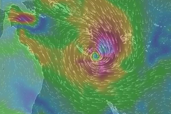 Evolution en direct du cyclone PAM