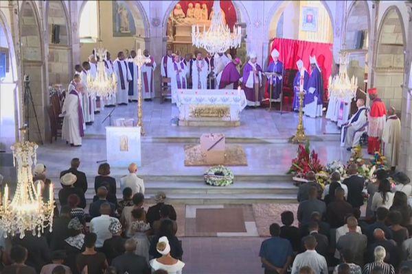 Funérailles de Mgr Cabo. Coeur de la cathédrale