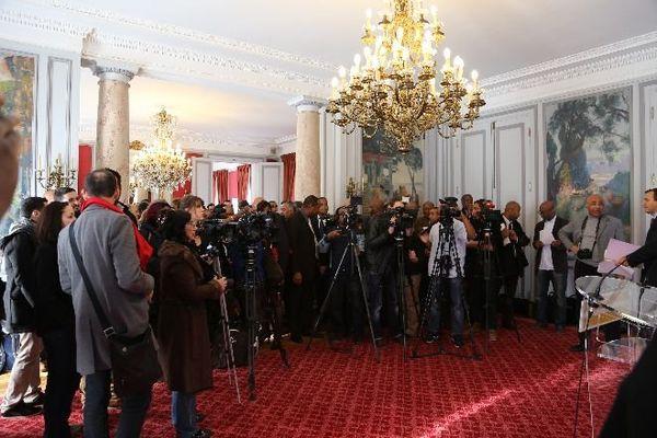 Une foule de caméras et de micros pour le baptême du CREFOM dans les salons de la rue Oudinot