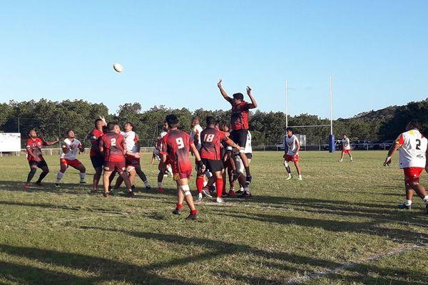 Championnat Rugby à XV. RC Mont-Dore contre Racing Club Calédonien