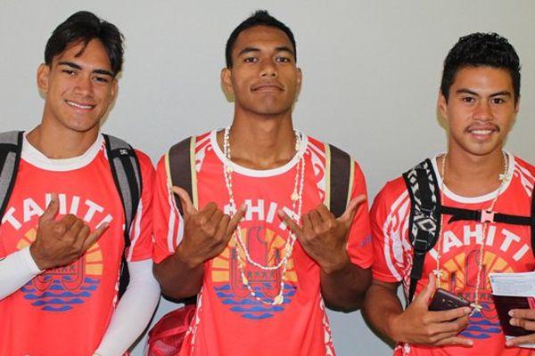 Les équipes tahitiennes de va'a en Australie
