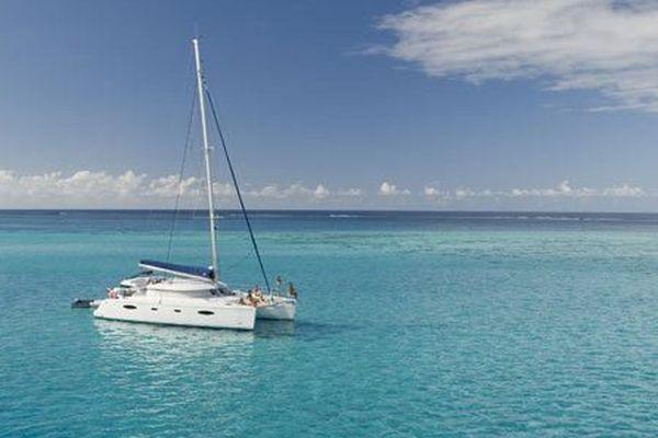 Tahiti Charter Catamaran