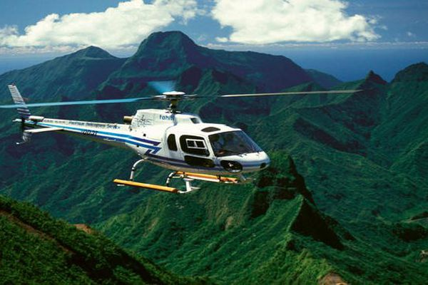 Marquises : l' hélicoptère pour les évasans, et le reste