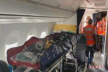 L'avion spécialement aménagé pour ce type d'opération.