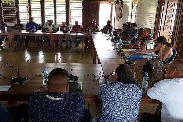 Réunion du Grand Conseil coutumier pour l'implantation du centre de stockage de la Sara à St-Laurent