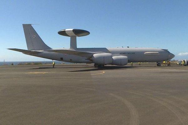 awacs avion militaire armée de l'air tour de controle volante 290820