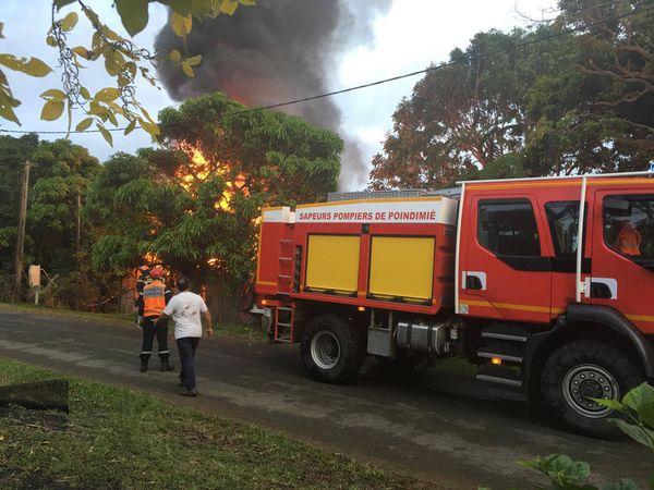 Incendie Poindimié 100517
