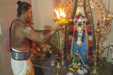 Célébrations de la fête Govinden (Vishnu) au temple de l'Etang à Saint-André