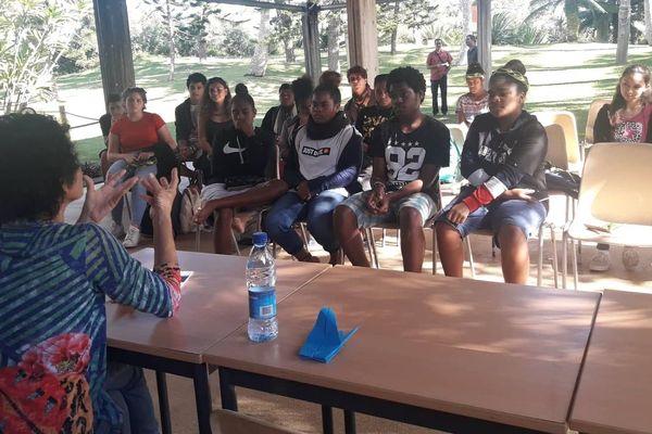 Tjibaou : rencontre culturelle avec les 5 auteurs nominés au concours littéraire Vi Nimö