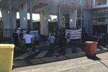 Les pompiers de la caserne de Saint-Pierre en grève