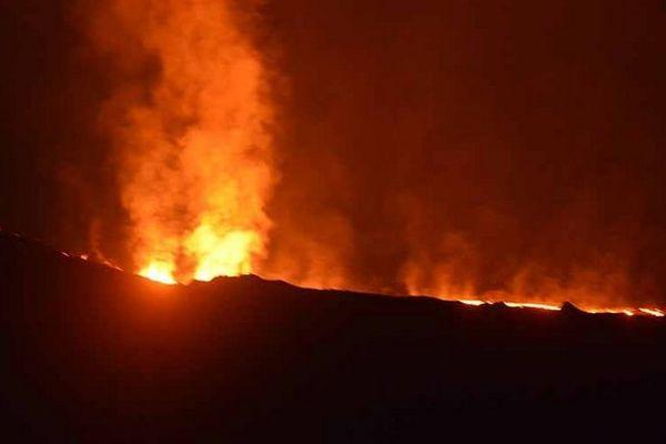 Eruption 25 août 2015