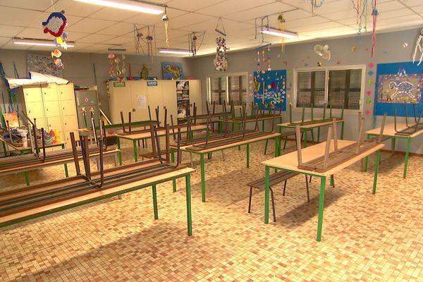 Dossier cantine, refectoire fermé à l'école Koch de Nouméa