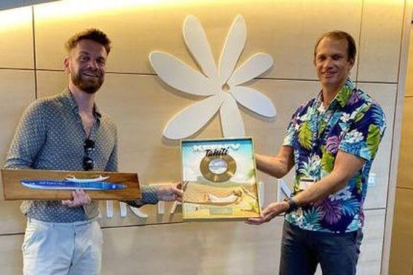 """Tahiti"" : le tube de Keen'V est Single d'Or"
