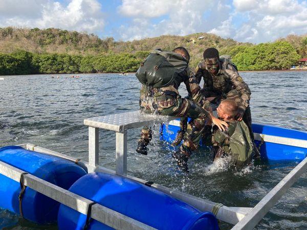 Commando militaire