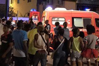 Ambulance et foule