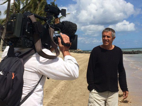 Julien Clerc plage caméra Nouméa 1er septembre 2017