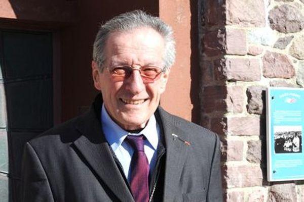 A 76 ans, Pierre Gaschy vicaire apostolique de Saint-Pierre et Miquelon prend sa retraite.